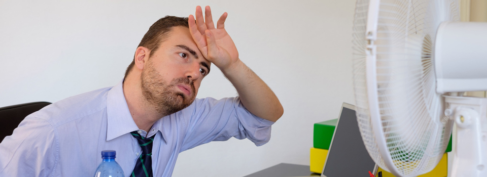 Wir geben 5 Tipps gegen das Schwitzen in der Sommerzeit und sorgen damit für mehr Wohlbefinden im Büro während der heißen Tage.