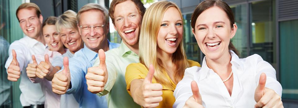 Durch Mitarbeitermotivation bringen Sie Ihr Team zum Lachen.