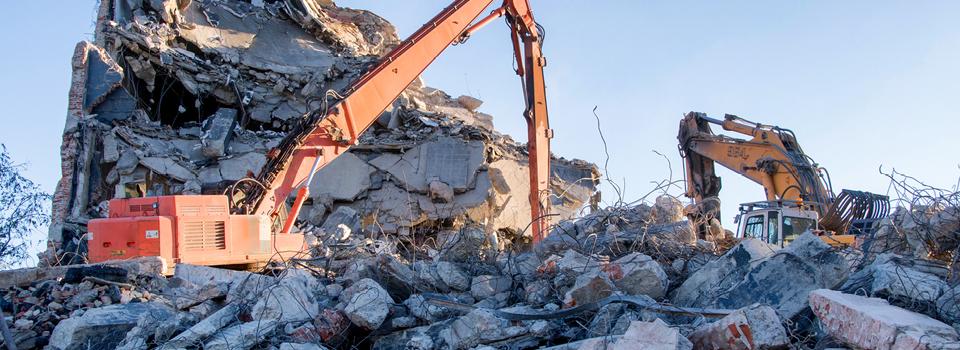 Mehr Nachhaltigkeit: Durch das Baustoff-Recycling, die Aufbereitung und Wiederverwendung von mineralischen Abfällen, steigt die Ökobilanz eines Gebäudes.